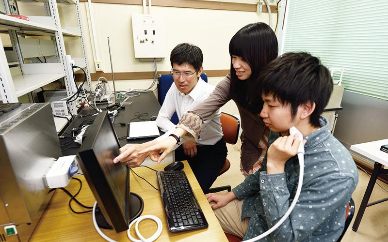 知能情報工学科