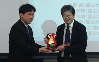 ナノ新機能物質科学専攻の中野純君(執筆時3年)、電気電子システム工学科森准教授、前澤教授らの論文が、平成25年度(第18回)の電子情報通信学会エレクトロニクスソサイエティレター論文賞を受賞しました