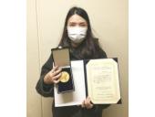 ナノ新機能物質科学専攻 博士課程2年 張コンコン さんが令和2年度応用物理学会北陸・信越支部学術講演会で学生発表奨励賞を受賞しました。